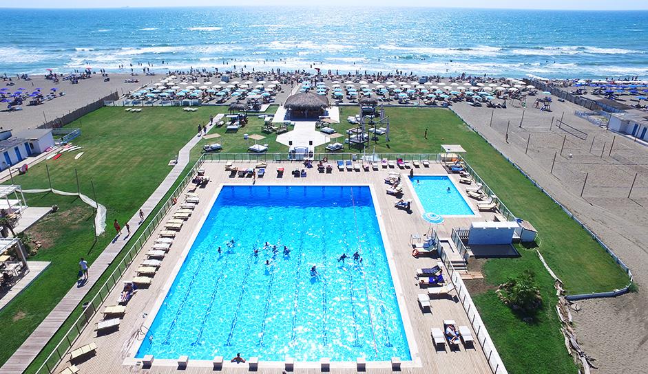 Gilda-on-the-beach-piscina